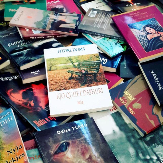 """Kopertina e librit të autores """"Kjo quhet dashuri"""""""