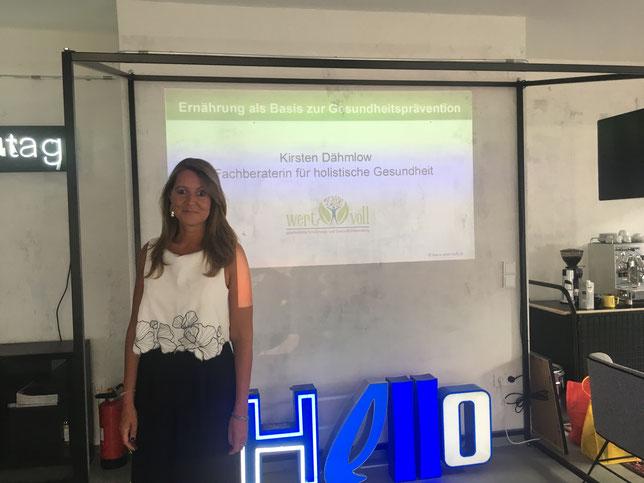 Fachberater für holistische Gesundheit Akademie der Naturheilkunde Ernährungsberater Vortrag Gesundheit Coach