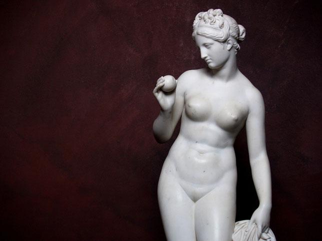 venus with apple, bertel thorvaldsen, 1770-1844. nouveausculpteur chefs-d'oeuvre de la sculpture.