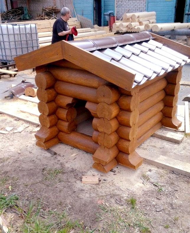 Будка для собак  деревянная из оцилиндрованного бревна
