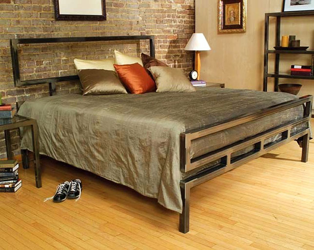кровать дизайнерская металлическая
