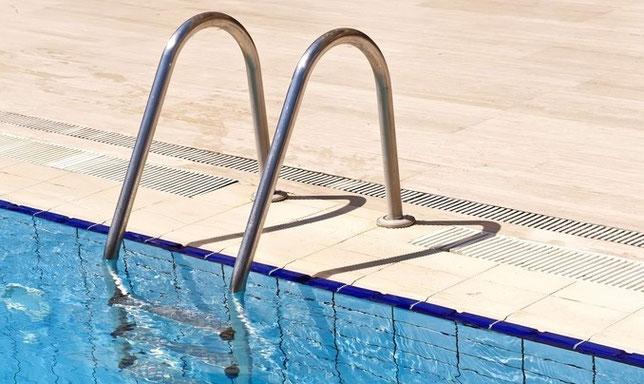Stiege Schwimmbad