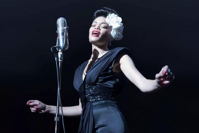 Dans le rôle de Billie Holiday, la chanteuse Andra Day fait ses débuts au cinéma (©Metropolitan Films).