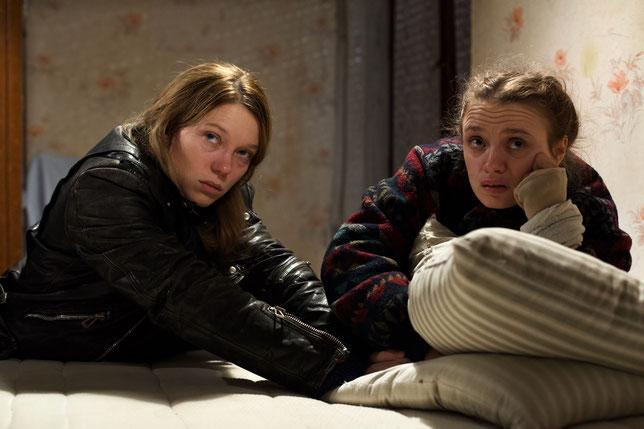 Léa Seydoux (à gauche) et Sara Forestier interprètent les deux suspectes d'un meurtre à Roubaix (©Le Pacte).