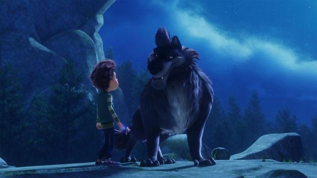 Le jeune Freddy attend son 14e anniversaire pour devenir, à la nuit tombée, un loup-garou comme son père (à droite) (©Alba Films).