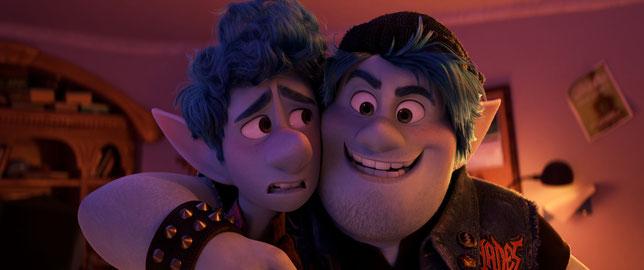 Ian (à gauche) et son frère Bradley sont à la recherche des restes de magie qui existent encore (©Pixar/Disney).