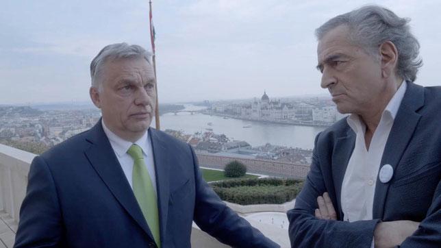 Rencontre entre Bernard-Henri Lévy et le Premier ministre hongrois Viktor Orban, le 8 avril 2019, à Budapest (©Camille Lotteau/Margo Cinéma/Sophie Dulac Distribution).