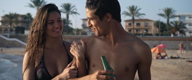Ophélie Bau et Shaïn Boumedine sont les deux interprètes principaux du film (©Pathé Films).