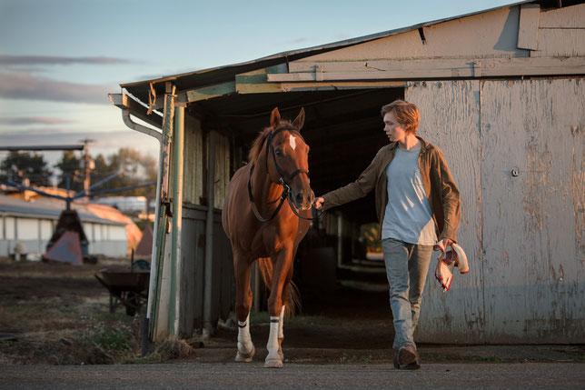 Le jeune Charley se prend d'affection pour le cheval Lean on Pete et décide de s'enfuir avec lui (©Ad Vitam Distribution).