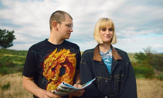 Teddy et sa copine Rebecca ont des projets d'avenir -mais le loup rôde (©The Jokers Distribution).