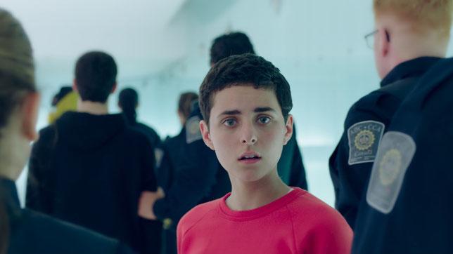La jeune actrice Nahéma Ricci interprète Antigone, qui veut sauver son frère (©Ligne-7/Les Alchimistes Distribution).