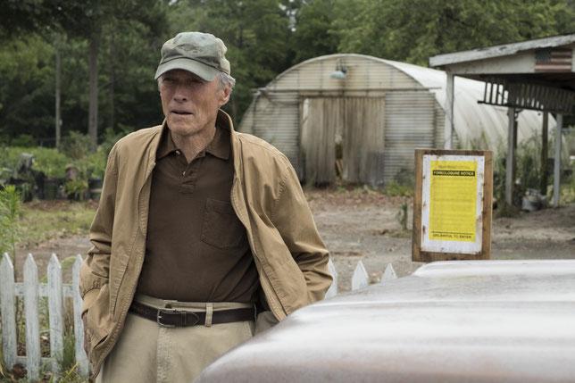 """Clint Eastwood joue un octogénaire embarqué comme """"mule"""" dans un trafic de drogue (©Warner Bros)."""