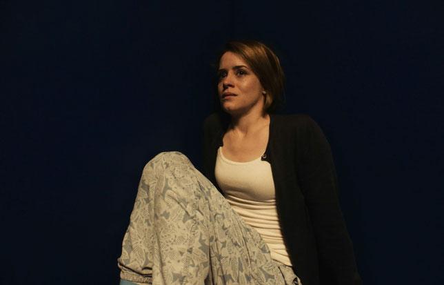 Claire Foy, internée contre son gré, affirme qu'elle n'est pas folle (©20th Century Fox).