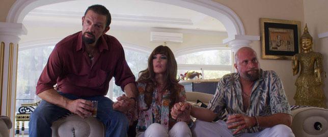 Vincent Cassel, Isabelle Adjani et François Damiens jouent de savoureux seconds rôles dans le film (©StudioCanal).