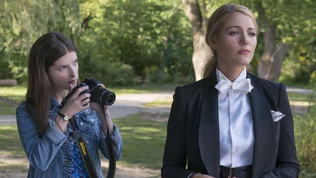 Anna Kendrick (à gauche) enquête sur la disparition inexpliquée de Blake Lively (©Metropolitan FilmExport).