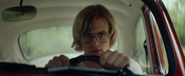 Le jeune acteur Ross Lynch interprète Jeffrey Dahmer (©FilmRise/e-cinema).