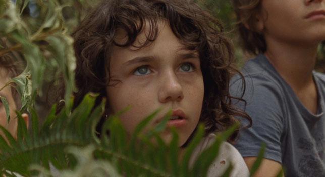 La petite Wendy (Devin France) s'aventure avec ses frères dans l'île où les enfants refusent de vieillir (©Condor Distribution).