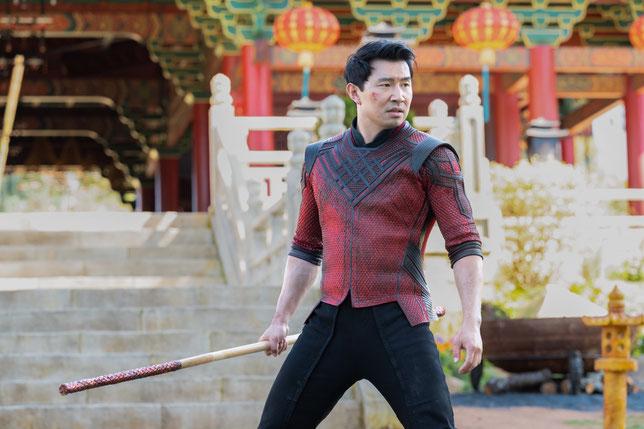 Un acteur canadien d'origine chinoise peu connu du grand public, Simu Liu, incarne Shang-Chi, le premier super-héros asiatique des studios Marvel (©Marvel Studios/The Walt Disney Company).