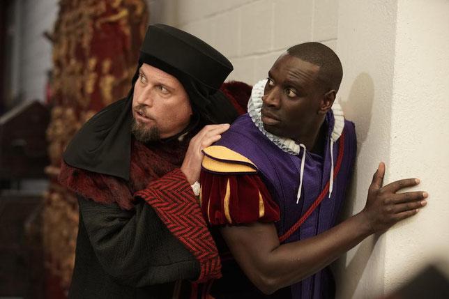 Pritprout le méchant (François Damiens, à gauche) et le Prince (Omar Sy): ennemis mais complices (©Julien Panié/Pathé Films).