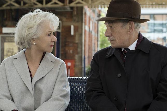 Helen Mirren et Ian McKellen se rencontrent: qui va le plus mentir à l'autre? (©Warner Bros).