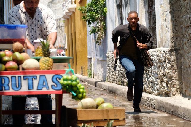 Dans les rues de Carthagène (Colombie), Will Smith court pour échapper à un tueur lancé à ses trousses (©Paramount Pictures).