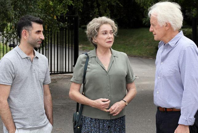 Kheiron, Catherine Deneuve et André Dussollier s'unissent pour aider six jeunes adolescents en échec scolaire (©Mars Films).