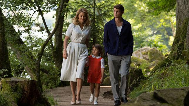 Rachel, Philippe, la petite Chantal: un couple impossible, une famille impossible, un amour impossible... (©Le Pacte).