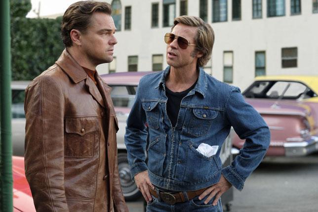 Rick (Leonardo DiCaprio, à gauche) est un acteur déclinant du Hollywood de la fin des années 60, Cliff (Brad Pitt) est sa doublure et son meilleur ami (©Sony Pictures).