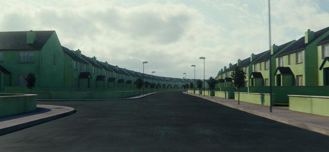 L'inquiétant lotissement pavillonnaire dans lequel le jeune couple va se retrouver prisonnier (©The Jokers Films).