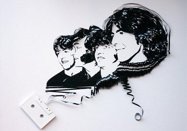 Erika Iris Simmons y sus retratos con cintas de casete