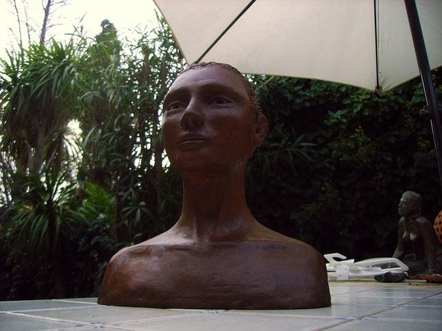 """buste terre cuite """"portrait de femme"""",nouveau sculpteur,nus féminins, nus artistiques."""