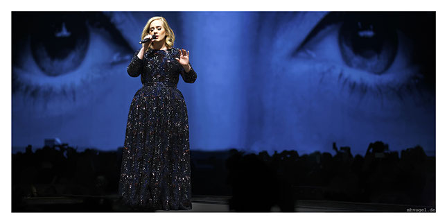 adele - hello, berlin.DE  // photo and copyright by manfred h. vogel / mhvogel.de