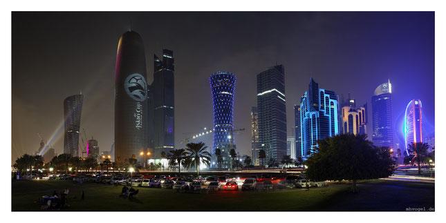 doha skyline, afc illumination, doha.QA // photo and copyright by manfred h. vogel / mhvogel.de
