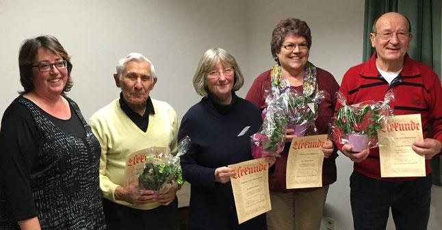 Ehrung langjähriger Vereinsmitlgieder. von links: Vorsitzende Andrea Fleischer, Friedhelm Heid ,Brigitte Walter, Margot Becker, Karl Dombach
