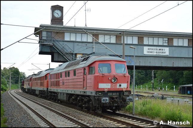 Am 15. Juni 2018 wird die Lok schließlich abtransportiert. In Chemnitz-Hilbersdorf Hp. erwischte ich den Zug