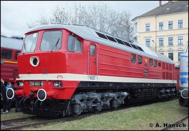 Am 31. März 2012 steht 130 002-9 im Schaudepot des Verkehrsmuseums Dresden am Bw Dresden Altstadt