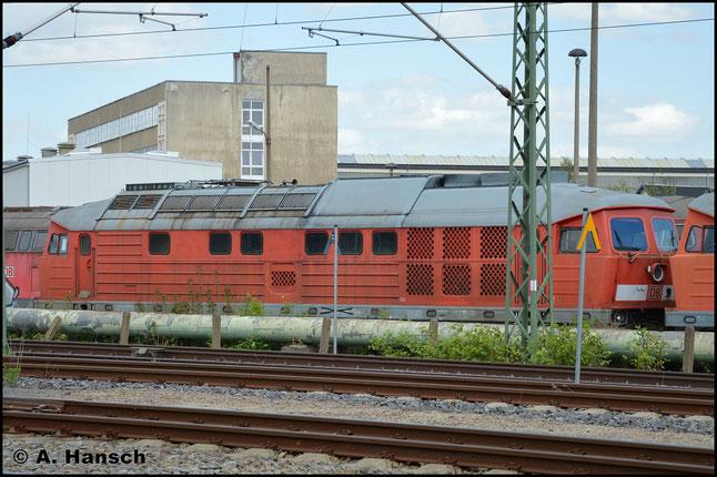 """233 536-2 ist eine von 9 """"Ludmillas"""", die am 29. April 2018 aus Mukran ins DB Stillstandsmanagement überführt wurden. Am 1. Mai 2018 konnte ich sie vorm AW Chemnitz fotografieren"""