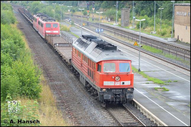 Am 23. Juli 2016 konnte EZ 50807 Seddin - Nürnberg im Bf. Oberkotzau festgehalten werden. Ab Hof wurde die Fuhre, in der sich auch 151 093-2 und 151 027-0 befanden, von 233 373-0 bespannt