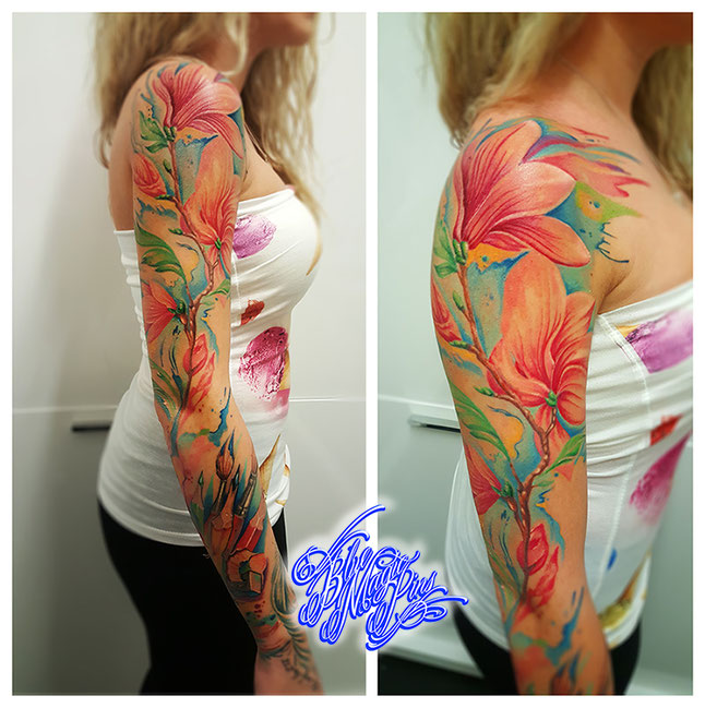 Watercolor flower sleeve tattoo Blue Magic Pins Belgium Genk custom design aquarelle pastel flowers magnolia pencils feminine realistic Genk Belgium colorful flowers ink shoulder aquarelle women girl