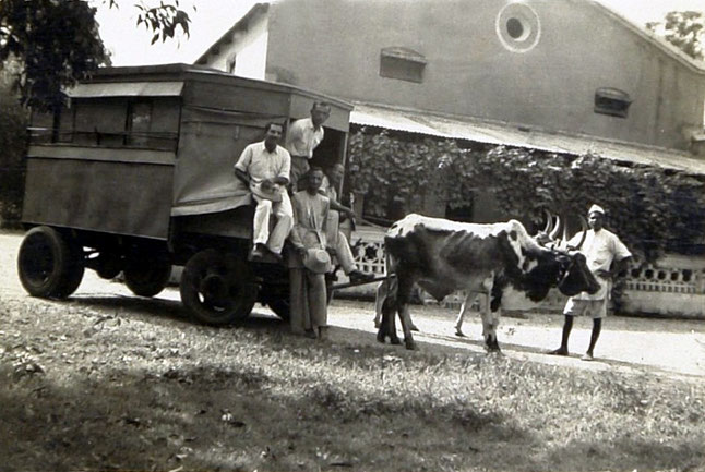 Baba's New Life caravan in 1950. Kumar is sitting on the far right of the cart ; Courtesy of the Jessawala Collection, AMB Archives, Meherabad, India