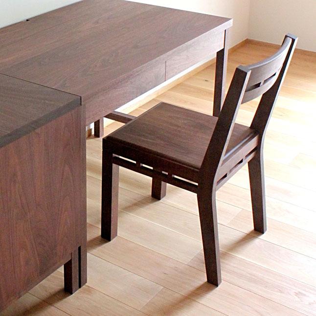組木の椅子(T様邸・鎌倉市)