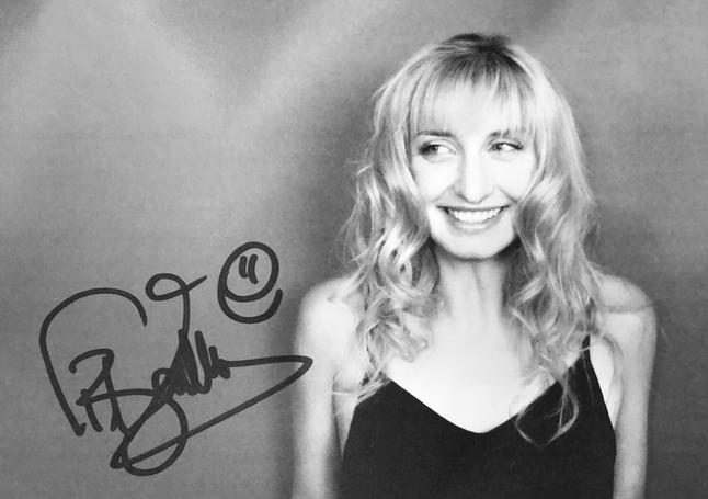 Autograph Timea Bascinsky Autogramm