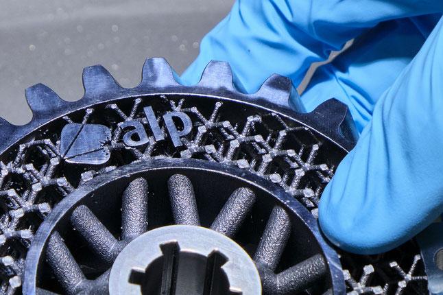 Hybride additive Fertigung: Zahnrad in Leichtbauweise und hoher Oberflächengüte