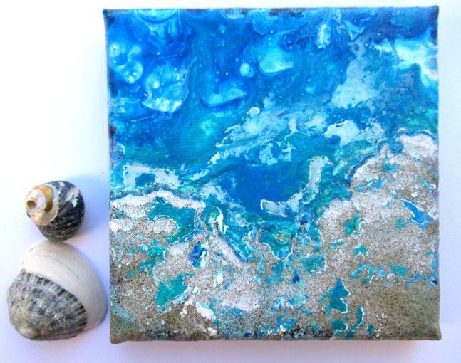 mini-peinture-marine-ocean-abstrait-tableau-bleu-decoration-minimaliste-miniature-audrey-chal-royan-artiste-peintre
