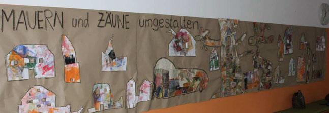 Mit einer zweiten Klasse in der Grundschule Kareth  habe ich über einige Wochen das Thema Mauern und Zäune philosophisch betrachtet und künstlerisch gestaltet. Unten ein kleiner Eindruck davoan