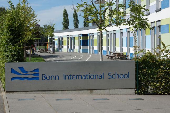 Wir haben BlowerDoor-Messungen z.B. bei der Bonn International School durchgeführt