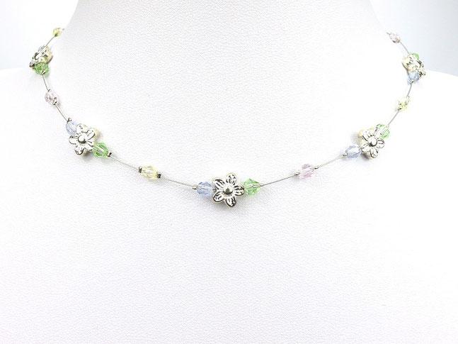 Halskette mit Metallblümchenund Glasschliffperlen lila/grün/gelb/rosa