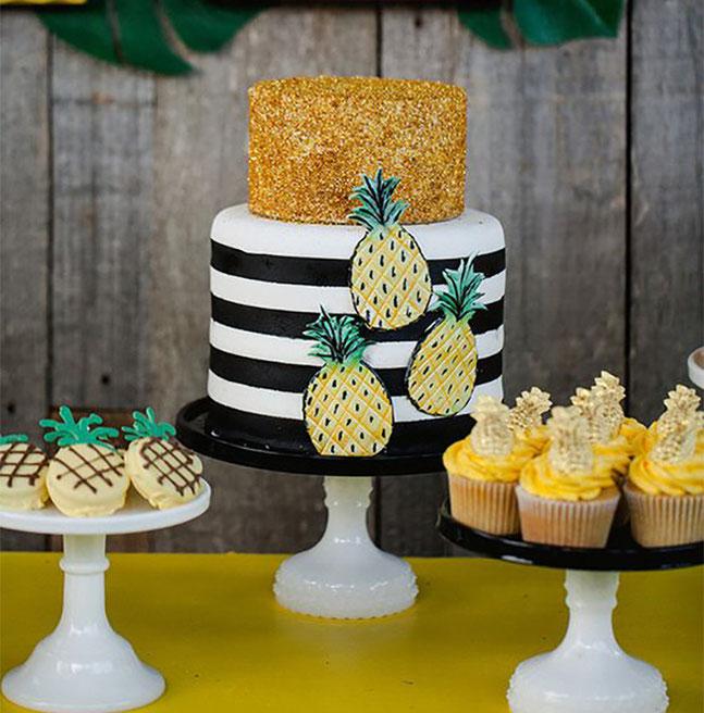 pastel fiesta de piñas