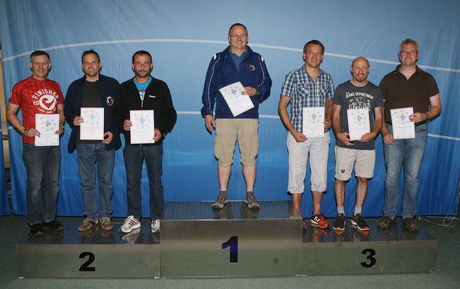 Dietmar Schorr (3. von links) wurde zweiter Bayerischer Meister mit der Mannschaft.