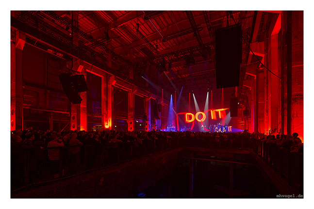 yello live @ kraftwerk, berlin.DE // photo and copyright by manfred h. vogel / mhvogel.de